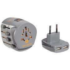 Wereld adapter met USB